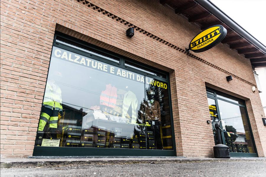 Esterno-Store-Utility-Diadora
